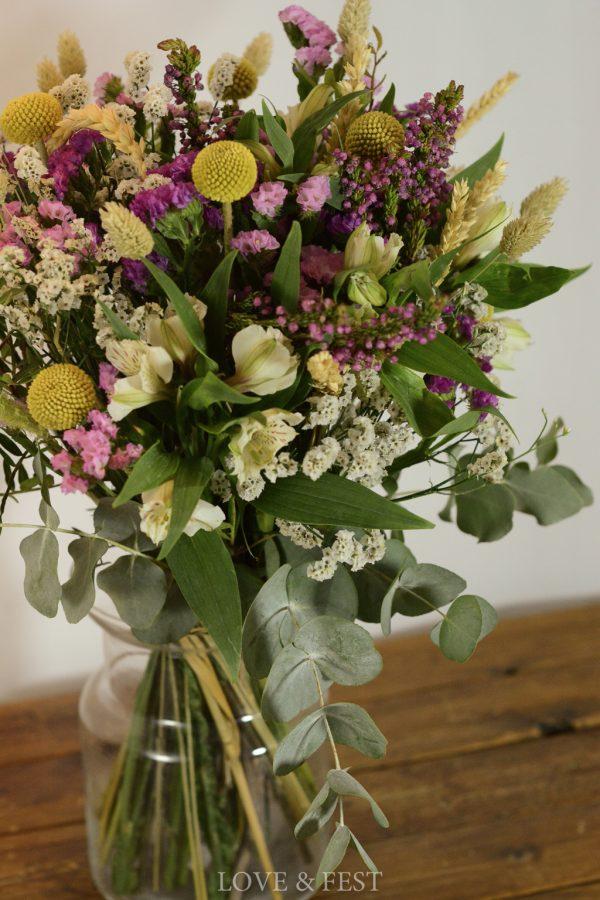 Ramo de flores naturales Campo en jarrón LOVE&FEST