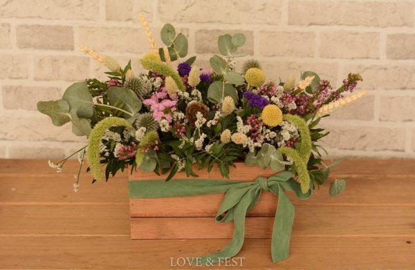 Caja madera con flores naturales LOVE&FEST